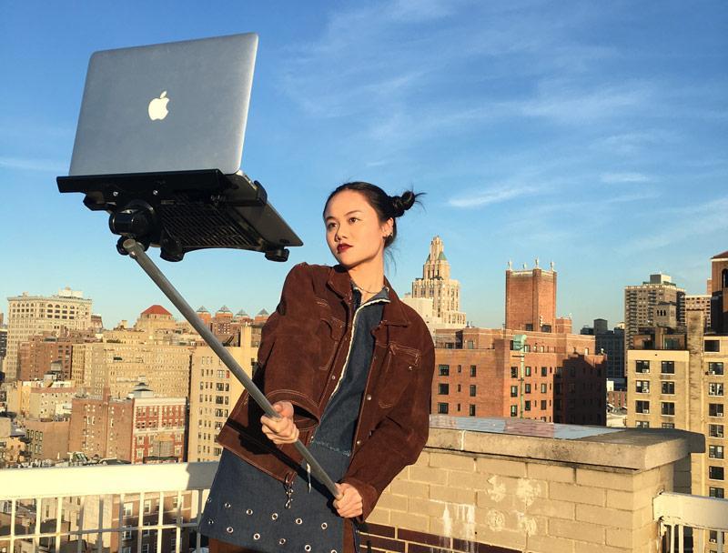 Как сфотографировать себя на ноутбуке?