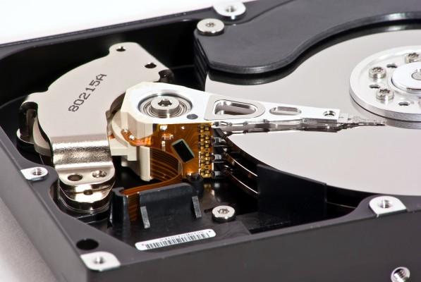 Почему компьютер не видит жесткий диск?